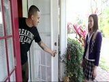 Lost Girl Knock On Strangers Door To Ask For Some Help But It Ended Bad Way